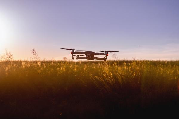 Tout savoir sur les drones de course : pratique sportive, guide d'achat…