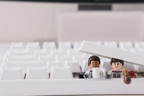 Espace geek : quels gadgets pour son bureau ?